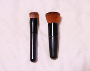 ファンデーションを塗ると余計肌が汚くなる。そんな時は「塗る道具」を変えてみよう